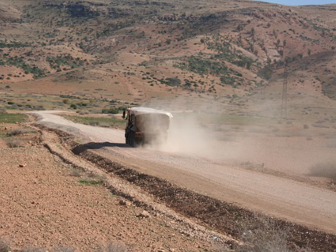 Gravel Road in der Wüste